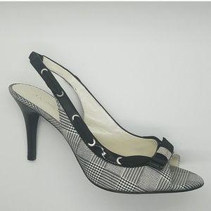 EUC Anne Klein Houndstooth Slingback Heels